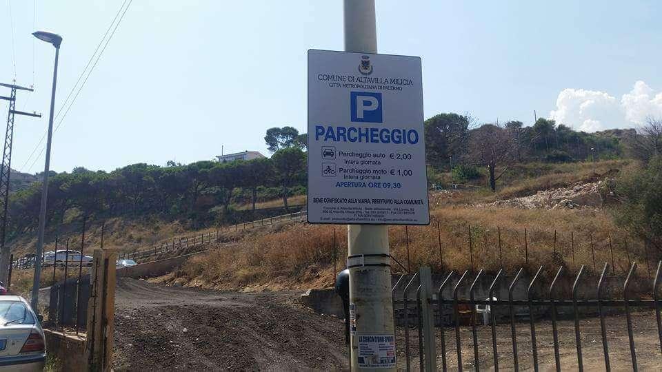 Mentre da sabato il Comune di Altavilla Milicia informa che è fruibile il  parcheggio comunale di Contrada Due Torri eb5d2977b17a